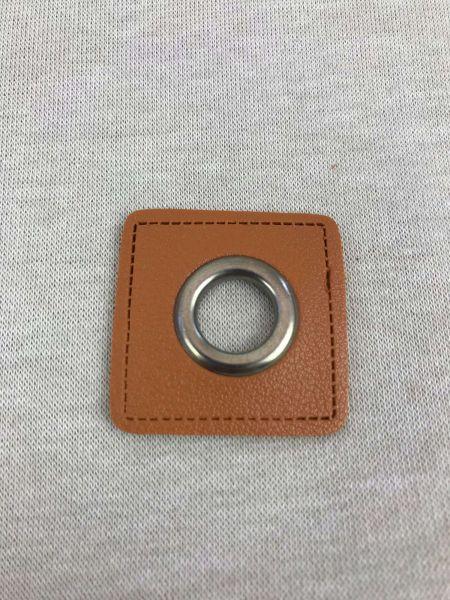 Öse auf Kunstleder Braun 8mm Silber